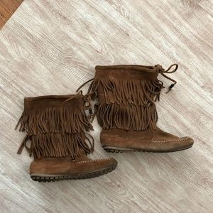 Minnetonka Moccasins Fringe Leather Suede Boho